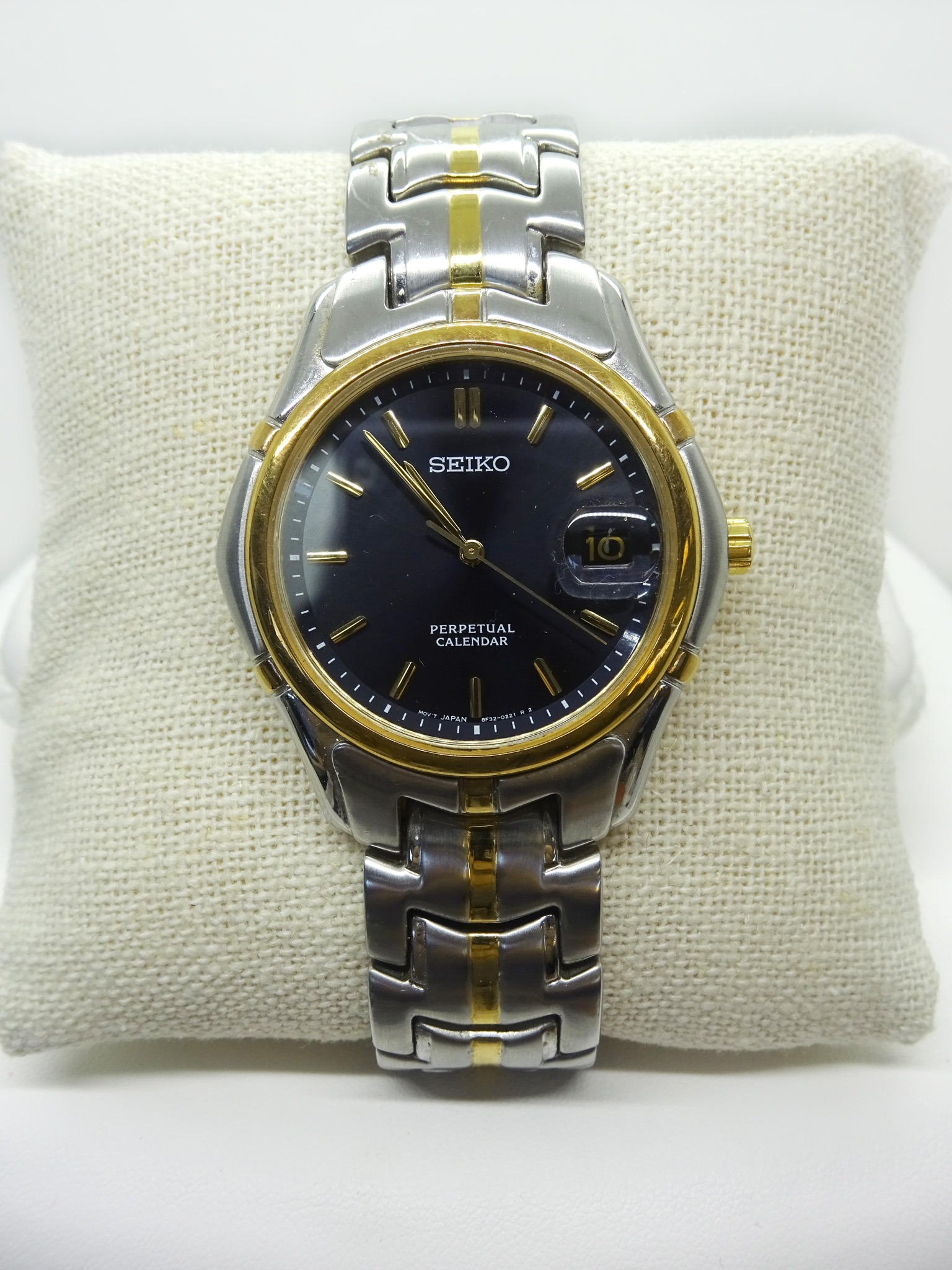 Seiko Perpetual Calendar Two-Tone Men s Watch 8F32-0189 - Shop   Bid ... d6d322f2e